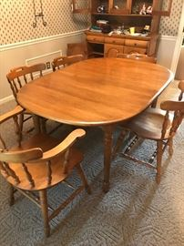 #3Rock-Maple Table w/2 leaves   60-80x42x28   w/6 chairs (2 captains chairs)$175.00