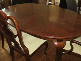 QUEEN ANNE DINING TABLE AND CHAIRS AMERICAN DREW FURNITURE COMPANY
