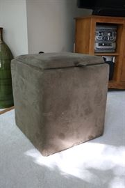 Small ottoman with tray top