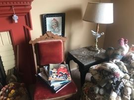 EASTLAKE CHAIR, MARBLE TOP END TABLE (2), GENIE LAMP (2), STUFFED CLOTH DOLLS, BOOKS, ANTIQUE FRAMED PRINT