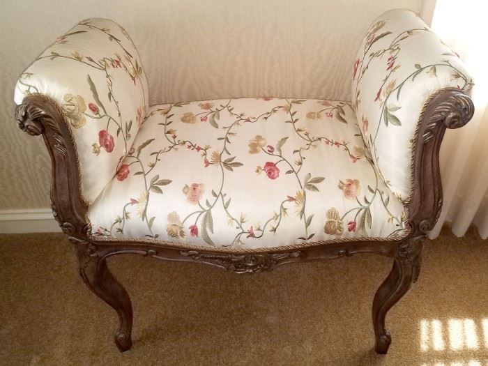 Gorgeous upholstered bench