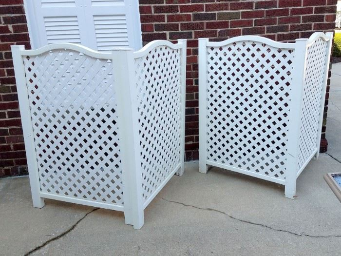 Outdoor screens (hide your garbage cans)