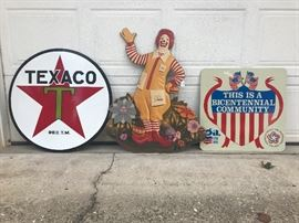 Large Texaco sign, Ronald McDonald,  Bicentennial Community sign