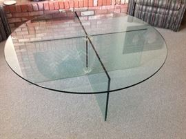 Gorgeous Glass Round Cocktail Table