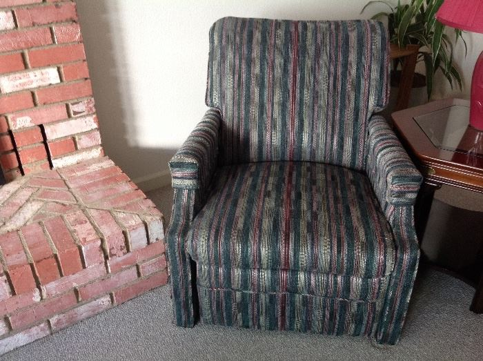 2 Small Recliners in excellent condition