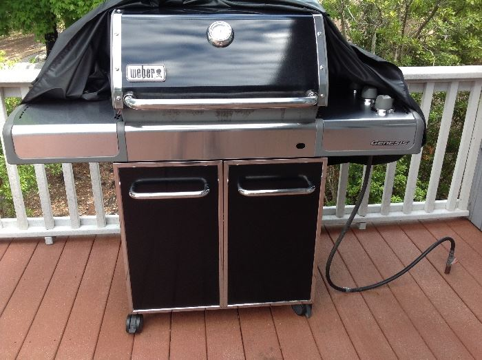 Very Nice Weber Grill in Great Condition
