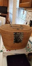 Great storage basket with tea accessories