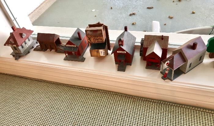 Wood houses made by Country Crafts