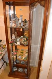 Nice American Display Cabinet