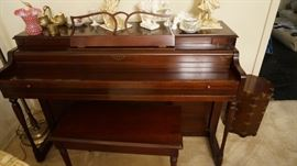 Lester Betsy Ross Spinet piano