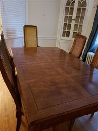 Henredon Bel Aire Parsons Table w/2 leaves, 6 chairs and Sideboard.