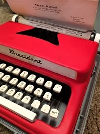 The Cutest Typewriter Ever!...