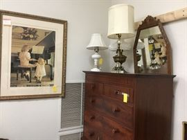 Pictures, lamps, mirror, chest