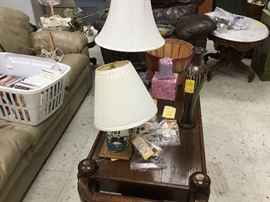 Coffee table and lamps