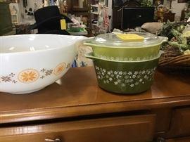 More Pyrex bowls