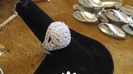 High end cotume Bella Luce diamond ring...unbelievably GORGEOUS..Retired new in box