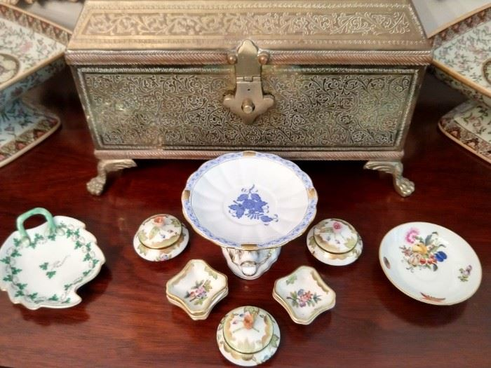 Lovely little collection of Herend china items, with patterns: Persil, Queen Victoria Green Border, Chinese Bouquet Blue and Fruits/Flowers.