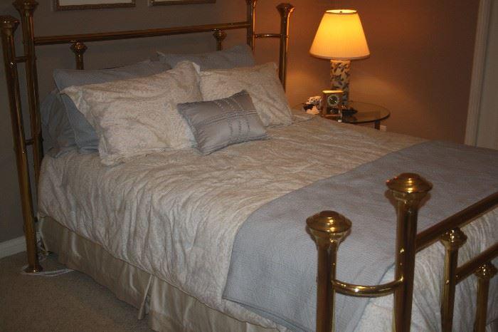 BRASS QUEEN BED