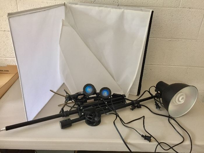 Photo booth for jewelry photography