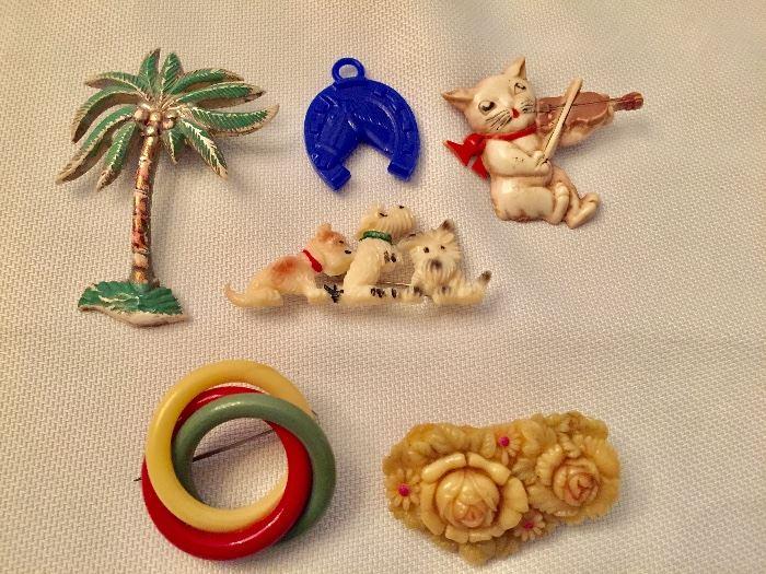 Vintage pins, bakelite circle pin