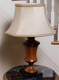 Classical Urn Lamp