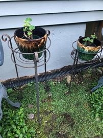 Outdoor Plant Stands and Ceramic Pots