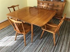 Cushman Colonial Creations Drop leaf table - 4 chairs (2 Captains) and 2 Leaves - $ 450.00