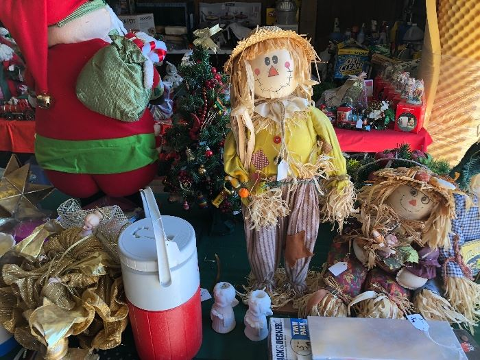 Scarecrows, Christmas items