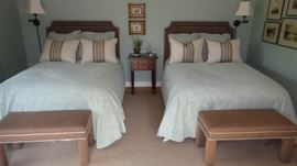 Full Size Beds, Bella Notte Linens, Bench