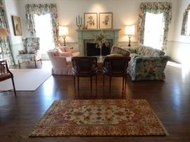 INVITING SPACES, CLASSY FURNISHINGS