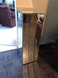 Mirrored stands- we have 4