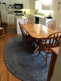 Pedestal Kitchen Table with leafs and Chairs