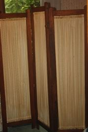3 SECTION DRESSING SCREEN
