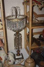 VINTAGE TEAR DROP CRYSTAL TABLE LAMP