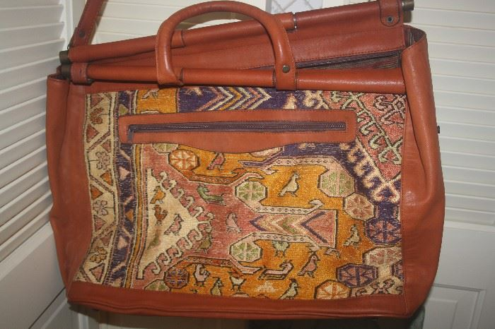 MADE IN TURKET DUFFLE BAG