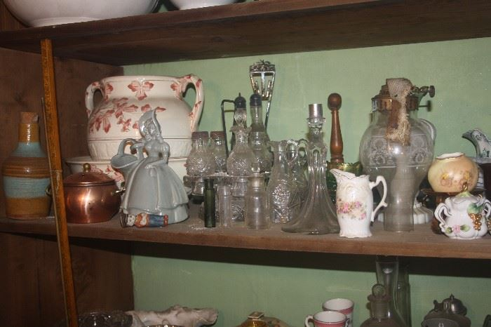 VINTAGE GLASS AND POTTERY