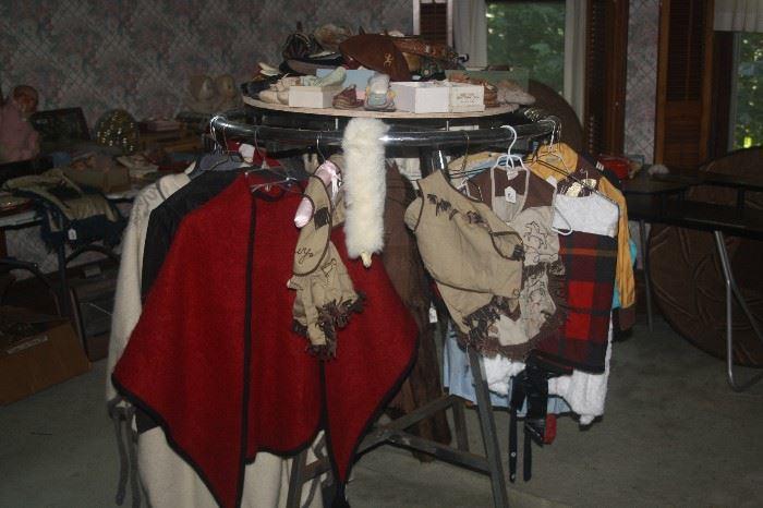 LOADS OF VINTAGE CLOTHES