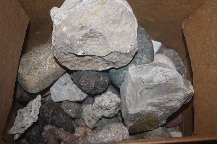 LOADS OF ROCKS + GEODES