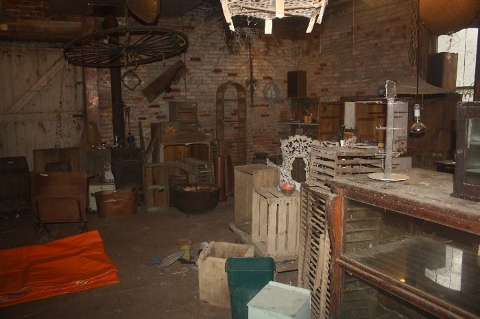 PRIMITIVES IN CARRIAGE HOUSE