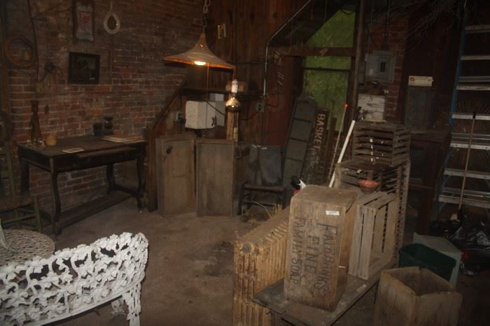VINTAGE IN CARRIAGE HOUSE