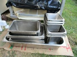 STAINLESS TRAYS/PANS