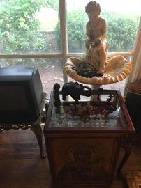 Thimble collection & curio