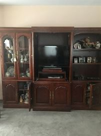 Wall unit & collectibles