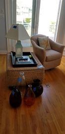 Decor accents & accent furniture