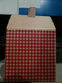 1 Cases Of 25 Red Gingham House Boxes