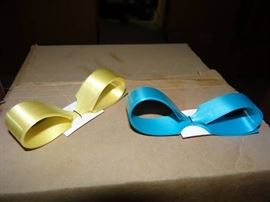 2 Cases Of 4 Inch Hank Bows 1 Yellow 1 Turqu ...