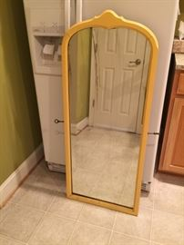 Mirror, Yellow