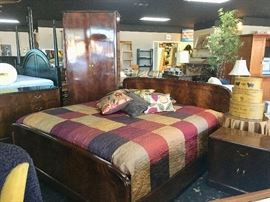 BEAUTIFUIL KING SIZED BEDROOM SUIT with matching 8' Armoire, Night Stand, Bed and Dresser