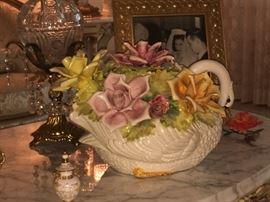 Rare Capodimonte swan floral arrangement