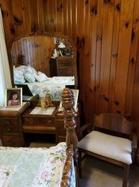 Suite 2 Vanity